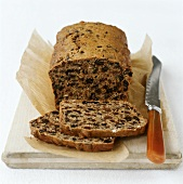 Bara brith (fruit cake; Wales)