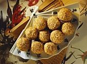 Stuffed sesame balls