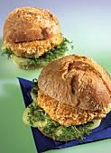 Turkey burger with turkey breast fillet, cucumber & cress