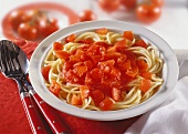 Spaghetti with tomato sauce and diced tomatoes