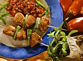 Turkey kebabs with spring onions and tomato chutney