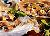 Turkey rolls with spinach & mini-rissoles with sesame seeds