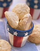 Amerikaner: three iced biscuits in beaker