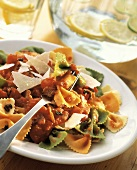 Tris di farfalle al pomodoro (Pasta with tomato sauce)
