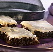 Nut and carrot slices with cream cheese mousse