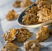 Walnut and apricot cookies
