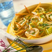Bouillon with tortellini, vegetables & chives