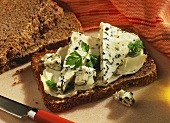 Graham bread with butter and blue cheese