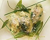 Gnocchi verdi alla salvia (Spinach gnocchi with sage)
