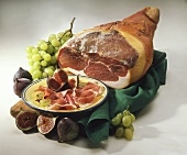 Parma ham with figs and grapes