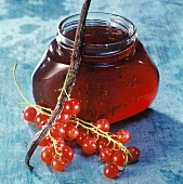 Redcurrant jelly with vanilla