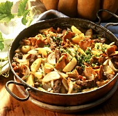 Pan-cooked potato dish with chanterelles and beef