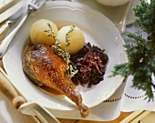 Roast goose with Thuringian dumplings and red cabbage
