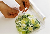 Packing leek rings in a freezer bag