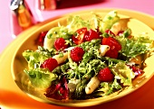 Mixed salad leaves with asparagus and raspberries