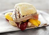 Panino con tonno arrostito (Grilled tuna sandwich)