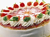 Puff pastry gateau with yoghurt and strawberry filling