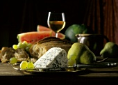 Roquefort with fruit, bread & a glass of white wine