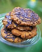 Amerikanische Cookies mit Schokoladenglasur
