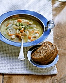 Berlin vegetable stew with marjoram; bread with caraway butter