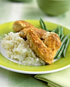 Breaded chicken with mashed potatoes and green beans
