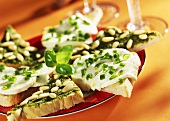 Tramezzini variopinti (toast with various toppings)