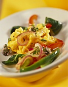 Scrambled egg with peppers, chard and thyme