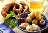 New potatoes, cream cheese (Obatzta), radishes, pretzels & beer