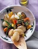 Patate alla toscana (Kartoffelpfanne mit Gemüse, Italien)