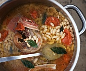 Favata (bean stew with bacon and tomatoes, Italy)