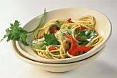 Spaghetti with avocado puree, tomatoes & fresh parsley