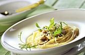 Spaghetti ai funghi (Spaghetti with mushrooms, rocket & Parmesan)