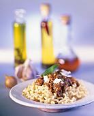Pasta con salsa alla bolognese (Pasta with meat sauce)