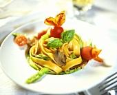 Tagliatelle agli asparagi (Ribbon pasta with green asparagus)