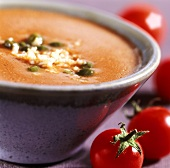 Tomato vinaigrette with garlic and capers