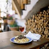 Tagliatelle al ragù di lepre (pasta with hare ragout)