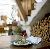 Canederli al formaggio (cheese dumplings with spinach, Italy)