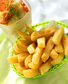 Chips with tomato and cucumber salad