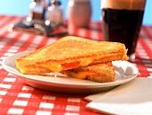 Gegrilltes Käsesandwich; Coca Cola