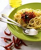 Spaghetti all'arrabbiata (Spaghetti with spicy sauce, Italy)