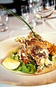 Salad with shellfish and won tons
