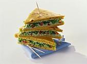 Sponge sandwiches with avocado cream