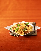 Pad Thai (fried noodles) with vegetables and chicken