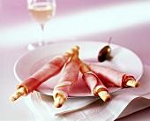 Grissini e prosciutto cotto (Grissini with ham, Italy)