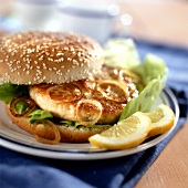 Fish burger with onions