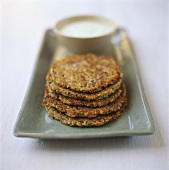Wholemeal pancakes with dip