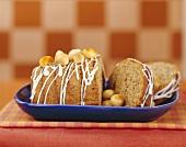 Nut cake with macadamia nuts