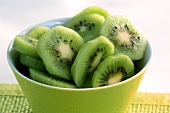 Slices of kiwi fruit in a bowl