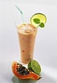 Papaya drink with ice cubes