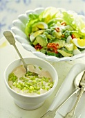 Avocado salad with yoghurt and chili dressing